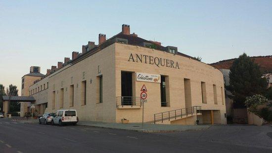 Hotel Antequera: Sicht von der Straße