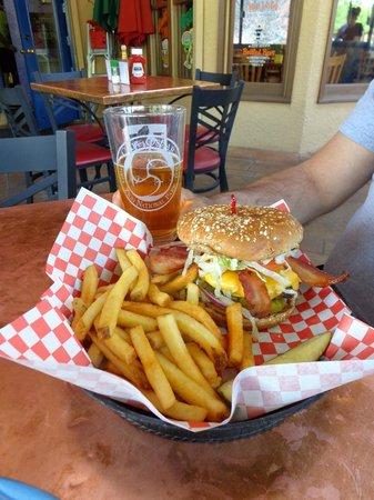 Oscar's Cafe : Oscar's bacon cheddar burger.