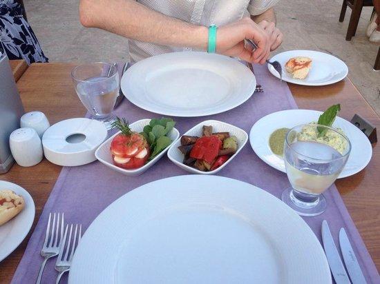 Royal Asarlik Beach: Starters in the Italian restaurant