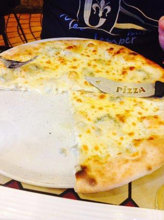 La Farfala : Pizza buona