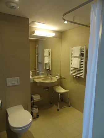 Hotel de la Baie : Bathroom