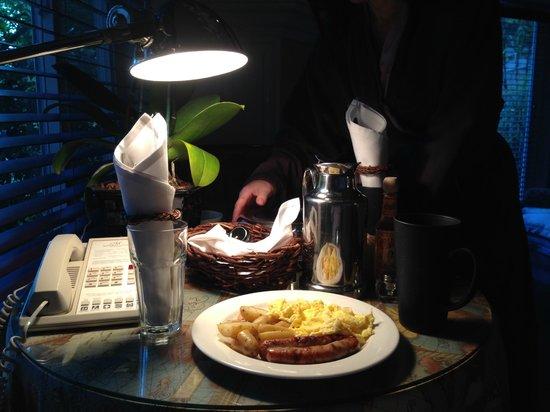 Milliken Creek Inn and Spa: Breakfast