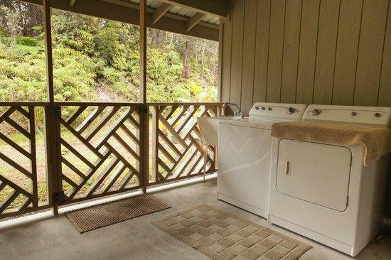 5th Street Ohana: Laundry Facility