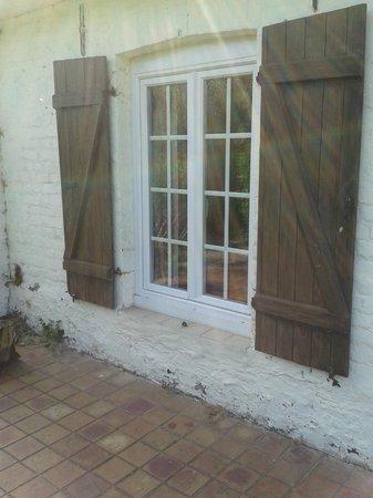 Ardres Bridge Cottage: Fenêtre de notre chambre