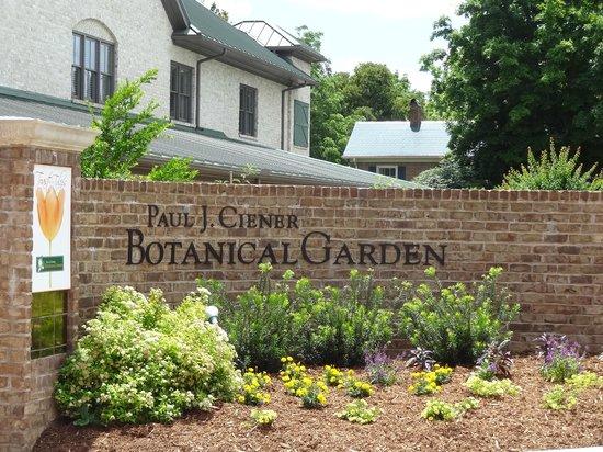 Superieur Paul J Ciener Botanical Garden: Entrance To Garden.
