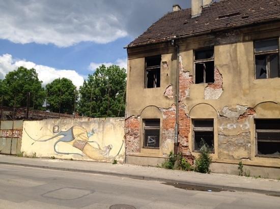 Krakow Free Walking Tour: street art