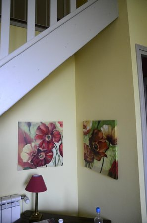 La Rougeanne: Detail our bedroom