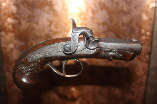 Ford's Theatre: Gun that killed Lincoln. Single shot derringer.