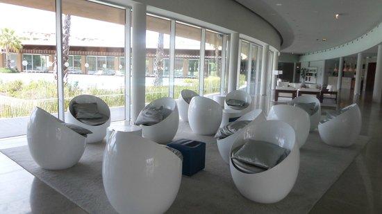 Aqualuz Suite Hotel Apartamentos: salon d'entrée