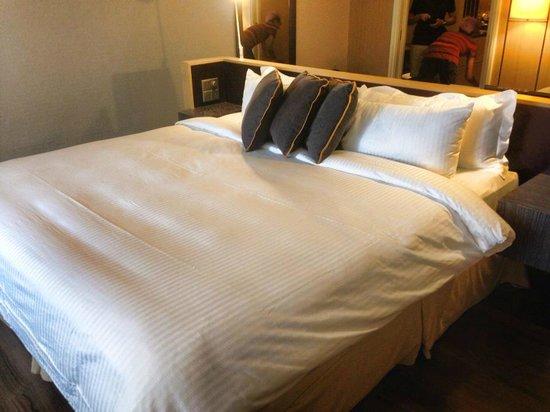 Ascott Raffles Place Singapore : comfy bed