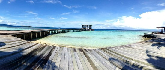 Jumeirah Dhevanafushi: A panorama I took.