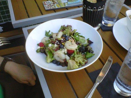 Cafe Dufrain: Red Spinch Salad with Shrimp