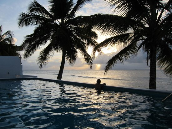 Bravo Beach Hotel : Pool Sunset