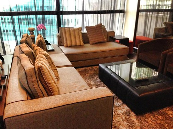 "Ascott Raffles Place Singapore: ""The Living Room"""