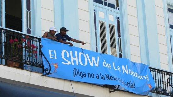 Place Vieille (Plaza Vieja) : Manifestazione giovanile nella Piazza 2