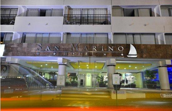 San Marino Hotel: Entrada principal