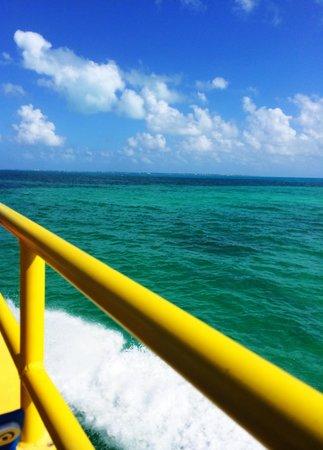 Hotel La Joya: Ferry ride from Cancun to Isla la Mujeres