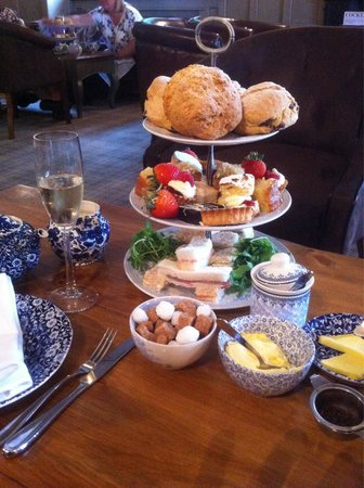 Weston Hall: Our wonderful afternoon tea
