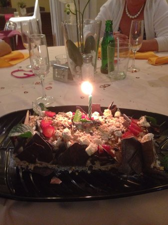 El Maestro : Birthday cake