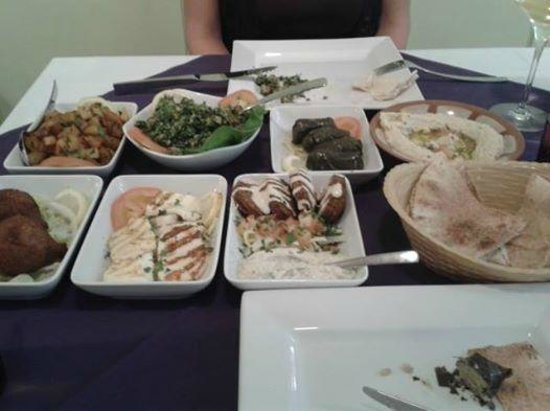 La Courbe: Light Mezze - well presented, tasty and very filling.