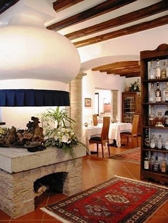 Ristorante Al Castello: Caminetto