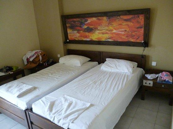 Dimitrion Hotel: Основные ткровати