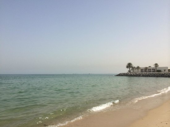 Hilton Kuwait Resort: Private beach area