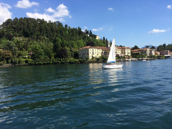 Albergo Milano Hotel & Apartments: From the Bellagio-Varenna ferry