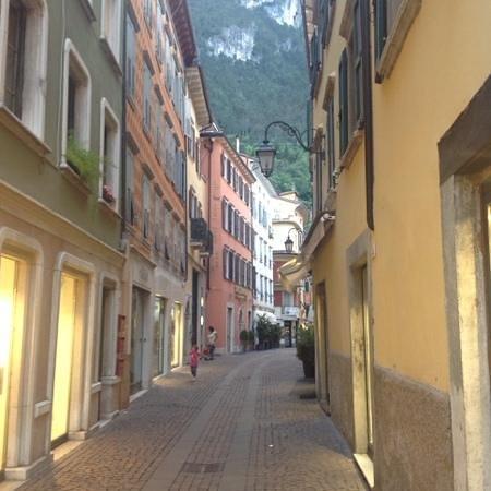 Hotel Antico Borgo: the street where we live !!