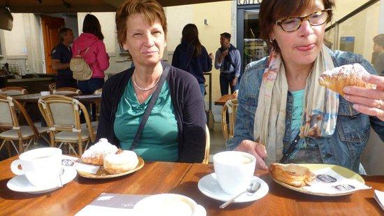 B&B Blu Notte: breakfast near the Santa Croche