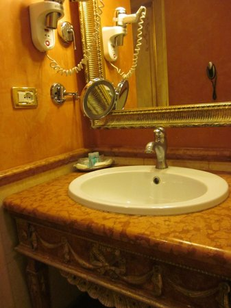 Veneto Palace Hotel : Bathroom