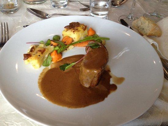 Restaurant Les Tuileries : Veau simplement rôti en cocotte