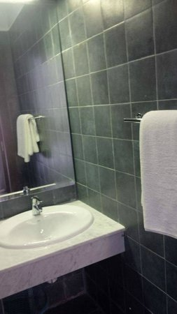 Hotel Olympic : My bathroom