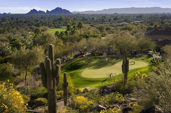 The Canyon Suites at The Phoenician: Desert 8 Golf Course