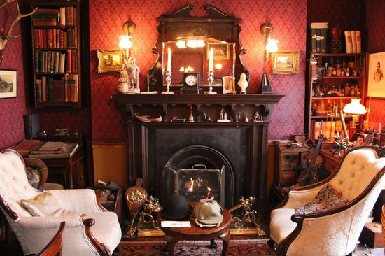 Sherlock Holmes Museum: the living room