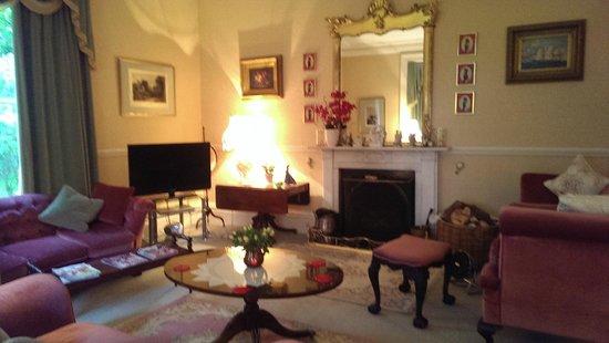 Barton Hall : Lounge