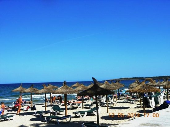 Hipotels Cala Millor Park : am Strand