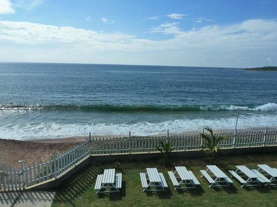 Peacock Beach Hotel: пляж