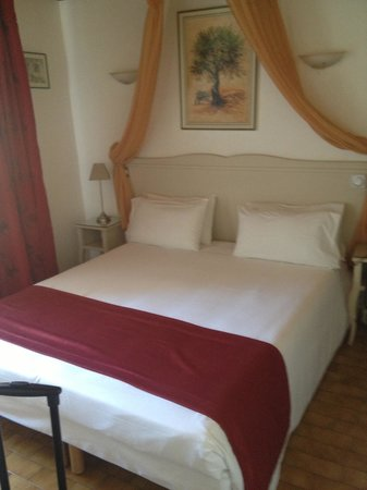 Hotel le Medieval: The room