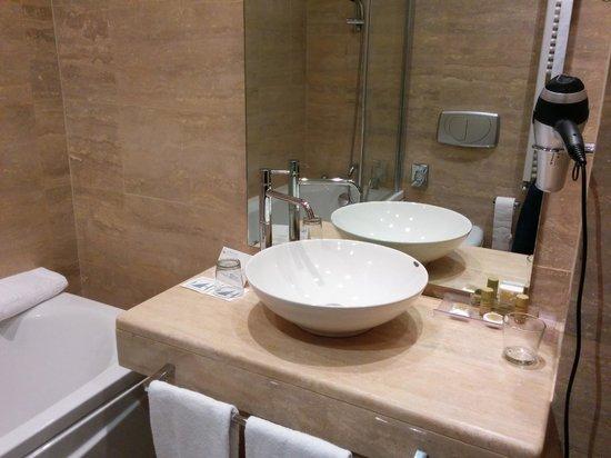 Eurostars Roma Aeterna: baño