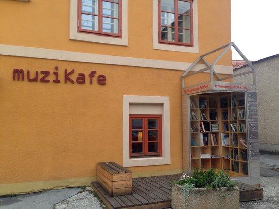 Muzikafe Bed & Breakfast: Outside, with a book swap