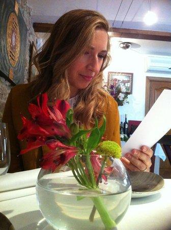 Arbidel restaurante: Con el centro de flores