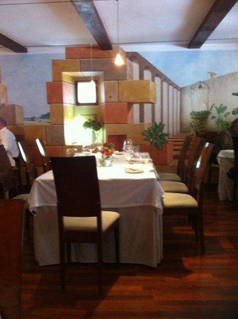 Arbidel restaurante: Sala, mesa principal