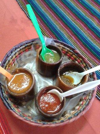 Totopos Restaurante Mexicano: Chiles para acompañar la comida