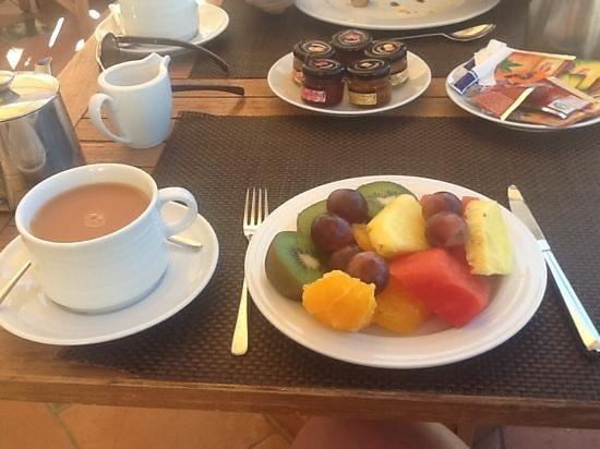 Blue & Green The Lake Spa Resort: beautiful breakfast al fresco