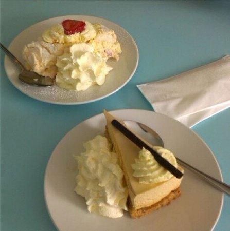 Jam: Average dessert!