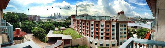 Resorts World Sentosa - Festive Hotel: Wonderful View from balcony!