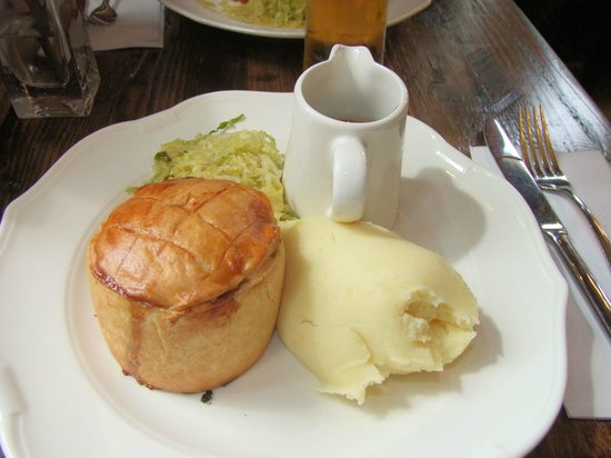 The Red Lion: Beef Pie