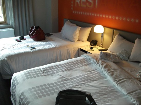 Row NYC Hotel : Our Room.