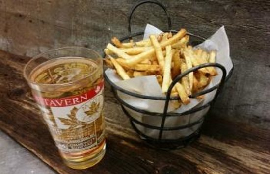 Maple Tavern: Fries and a beer